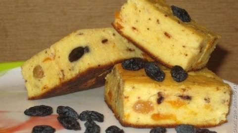 Cottage Cheese Babka With Raisins